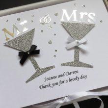 Wedding glitter glasses Mr & Mrs